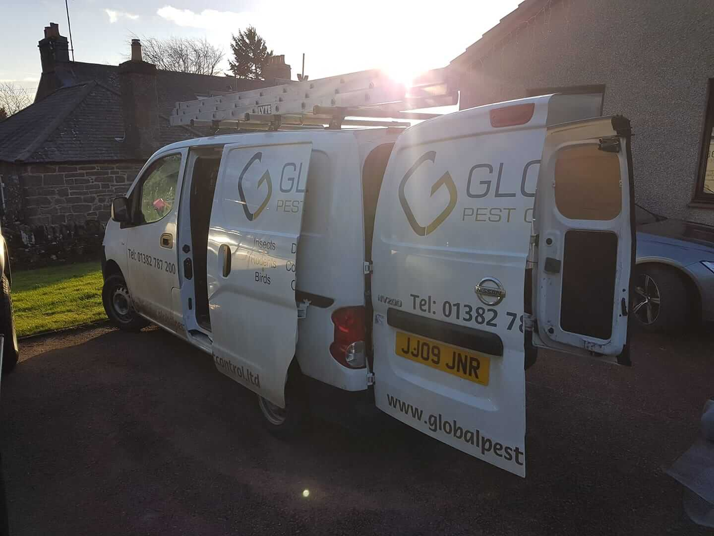 call out to pest control residential